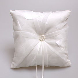 Ericdress High Quality Pearls White Ring Pillow