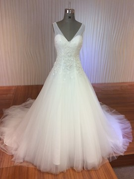 Ericdress Elegant V Neck Appliques Wedding Dress