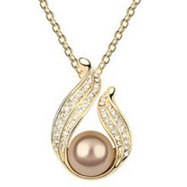 Water Pearl with Rhinestone Pendant Necklace
