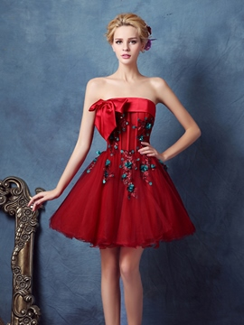 Ericdress trägerloses Ballkleid Applikationen Bowknot Pailletten Homecoming Kleid