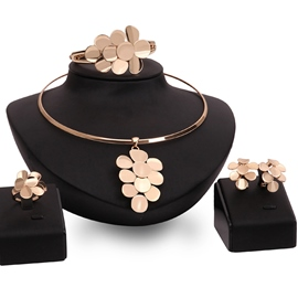 Ericdress Gold Flower Pendant Jewelry Set