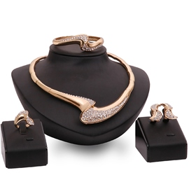 Ericdress High Quality Gold Diamante Jewelry Set