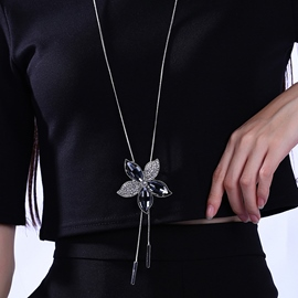 Beautiful Flower Pendant Long Necklace