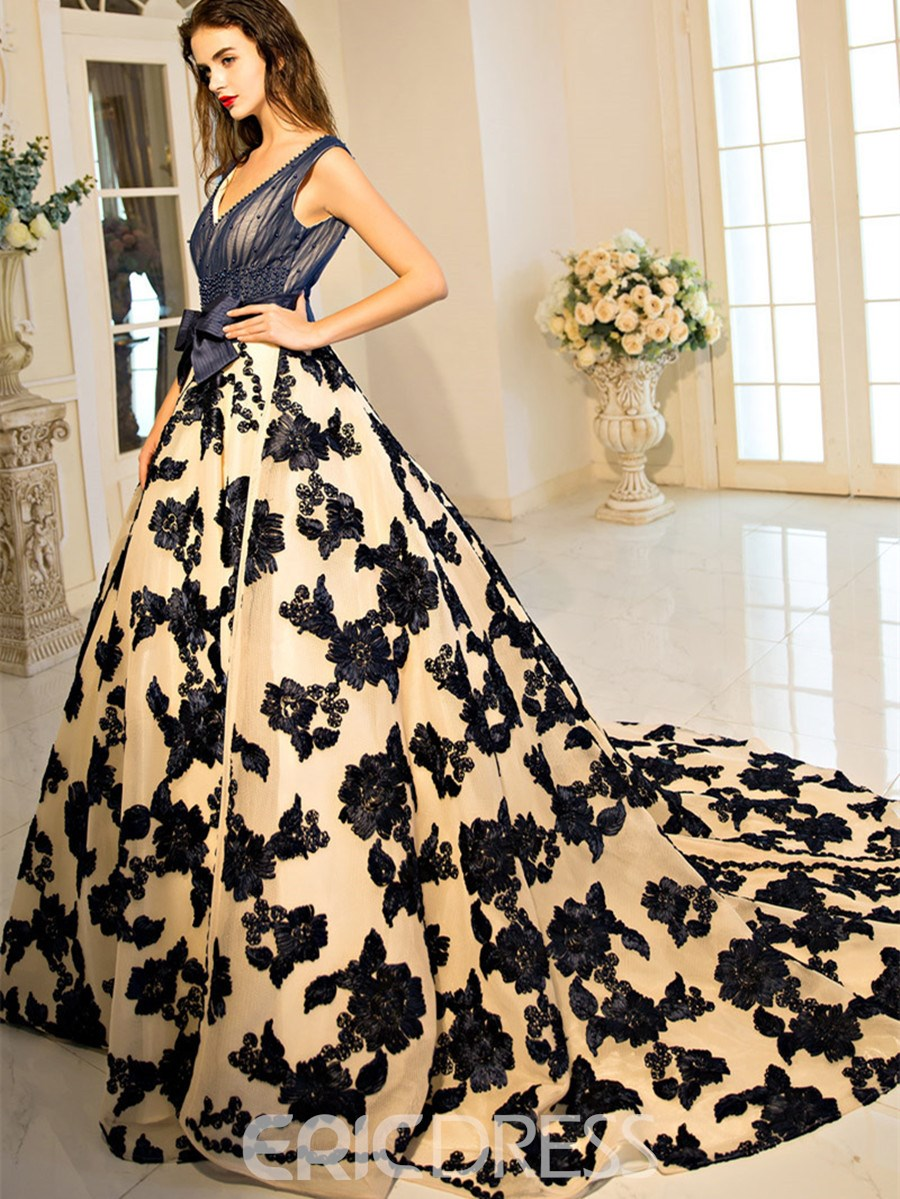 70f4bf43a55 Ericdress Scoop Ball Gown Bowknot Lace Pearls Court Train Quinceanera Dress