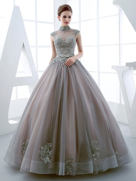 Ericdress High Neck Ball Gown Cap Sleeves Applikationen Friesen Quinceanera Kleid