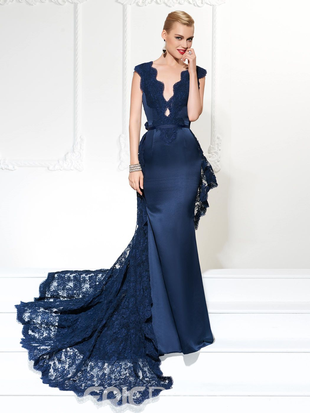 Ericdress Deep Neck Satin Mermaid Evening Gown With Lace Watteau Train
