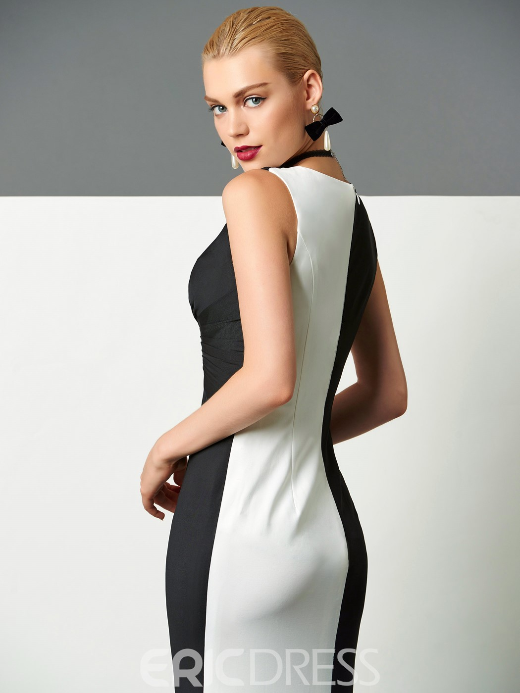 Ericdress Column V-Neck Ruched Sweep Train Evening Dress