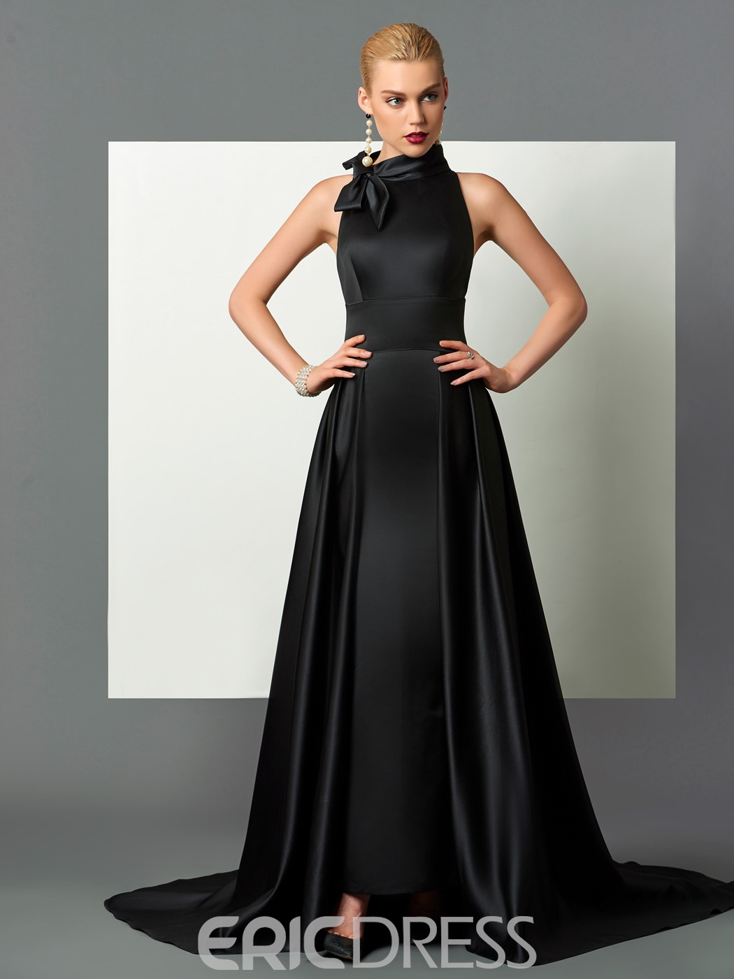 Classic Black Halter Long Evening Dresses