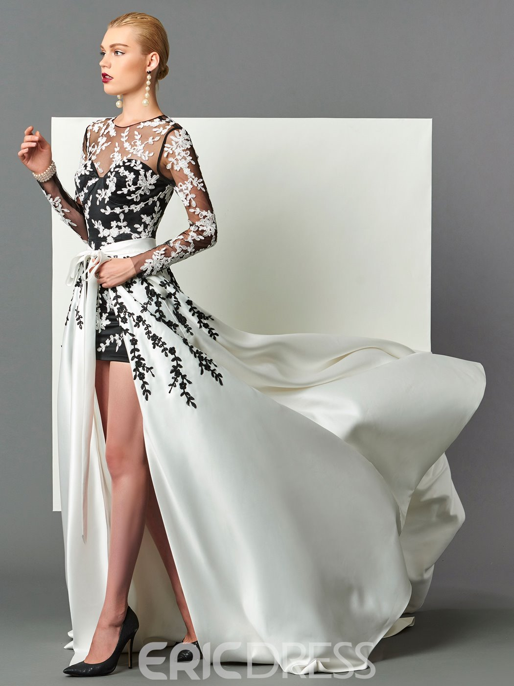 Long Sleeve Applique Prom Dress 2019 With Detachable Train