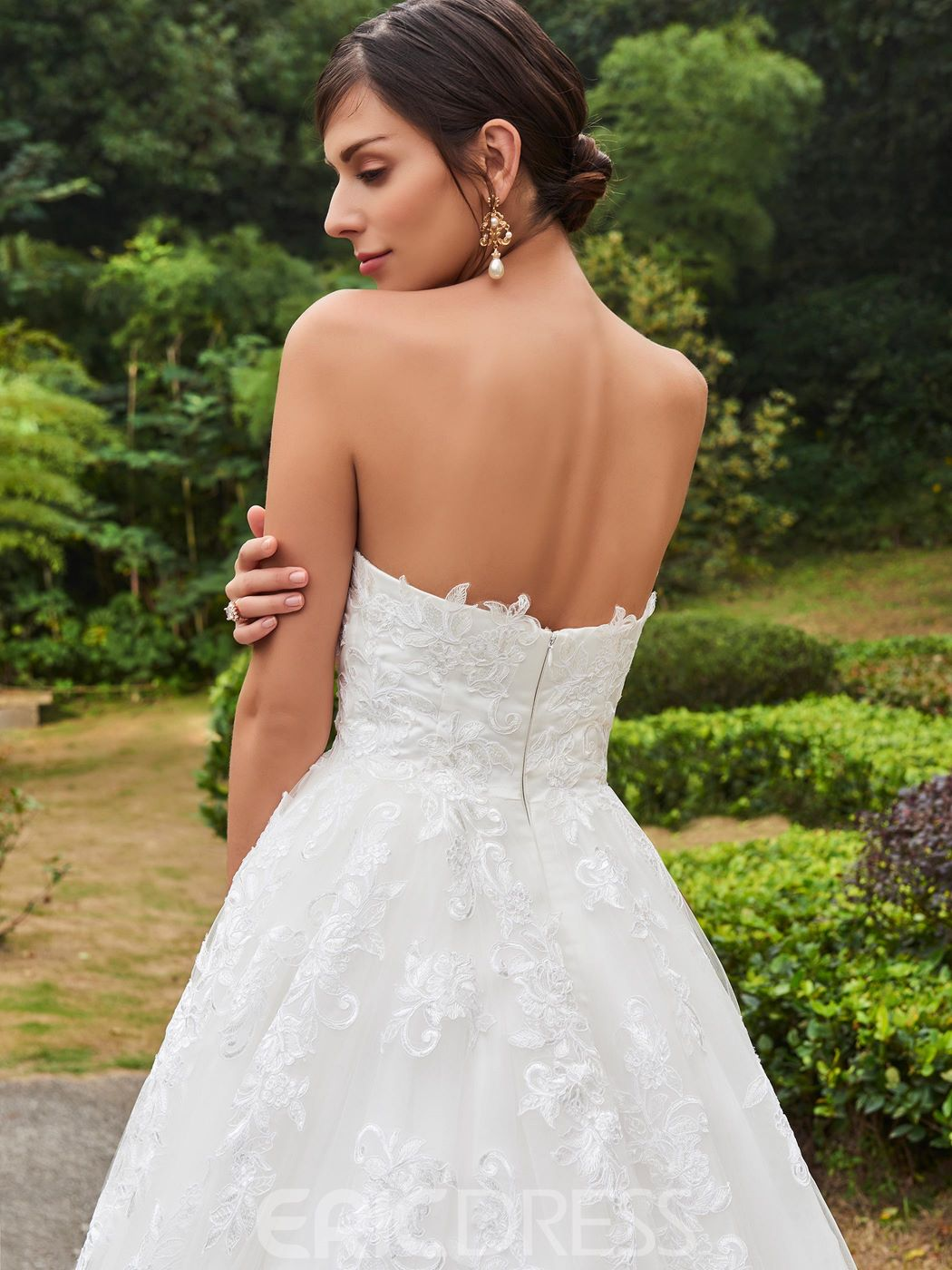 Ericdress Classic Appliques Strapless A Line Wedding Dress