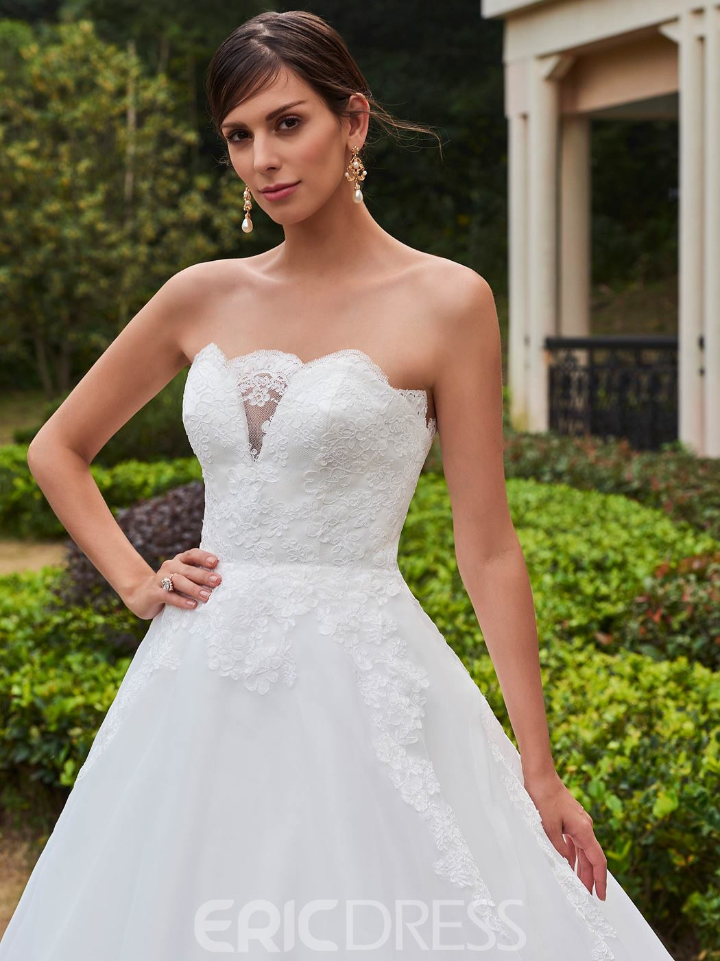 Ericdress Charming Appliques Strapless Ball Gown Wedding Dress