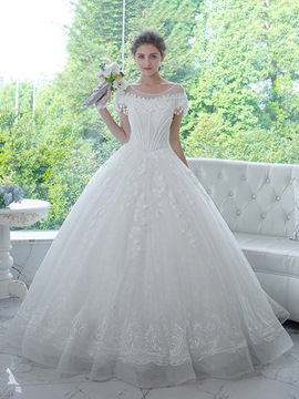 Ericdress Elegant Scoop Appliques Beaded Flowers Short Sleeves Ball Gown Wedding Dress