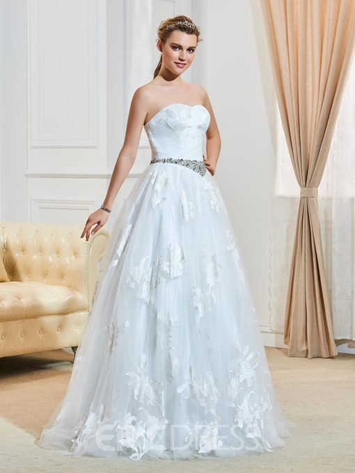 Classic Sweetheart Beaded Ball Gown Wedding Dress