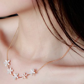 Ericdress Five Opal Flowers Short Clavicle Necklace