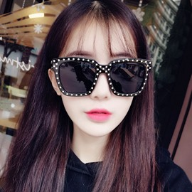 Ericdress Personality Rivet Decorated Polarized Sunglasses