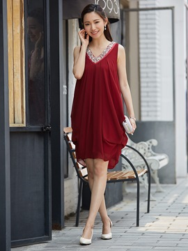 V-Neck Sleeveless Beading Decorative Party Dress