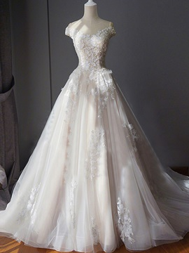 Ericdress Scoop Neck Appliques Chapel Train Wedding Dress