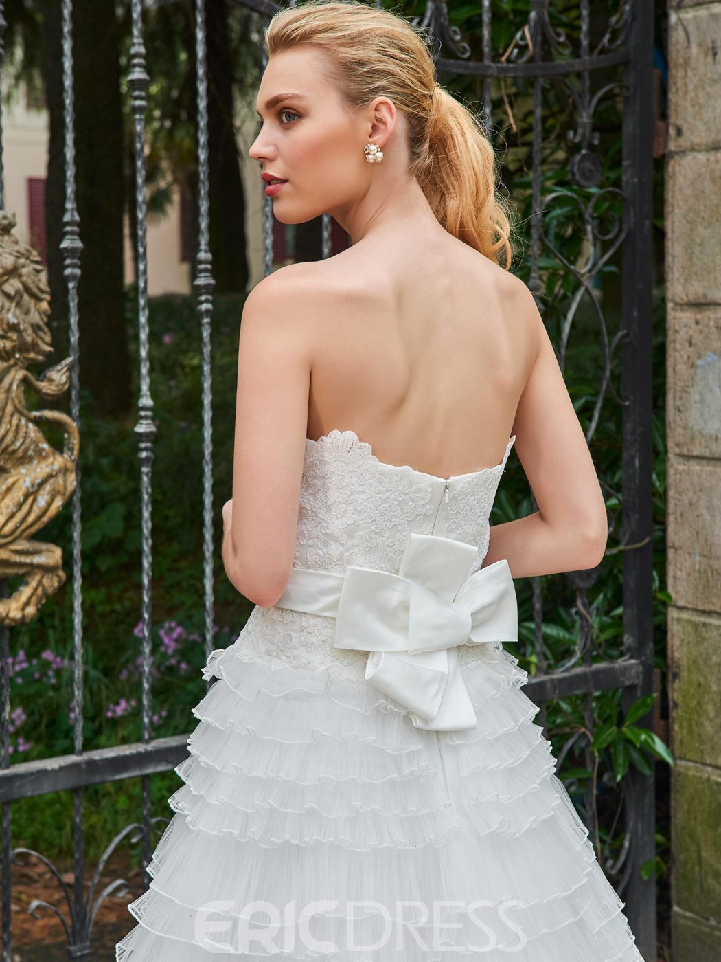 Ericdress A Line Appliques Strapless Tulle Wedding Dress