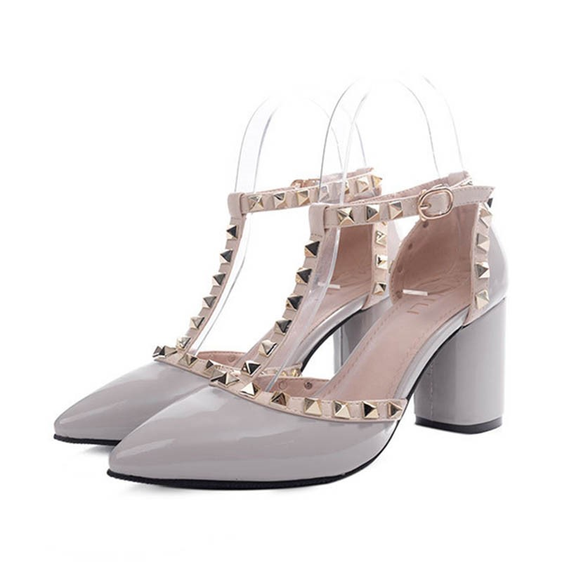 Ericdress T-Shaped Rivet Chunky Sandals