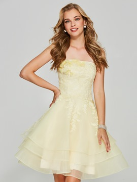 Ericdress Strapless Lace Applique Short Homecoming Dress With Zipper-Up
