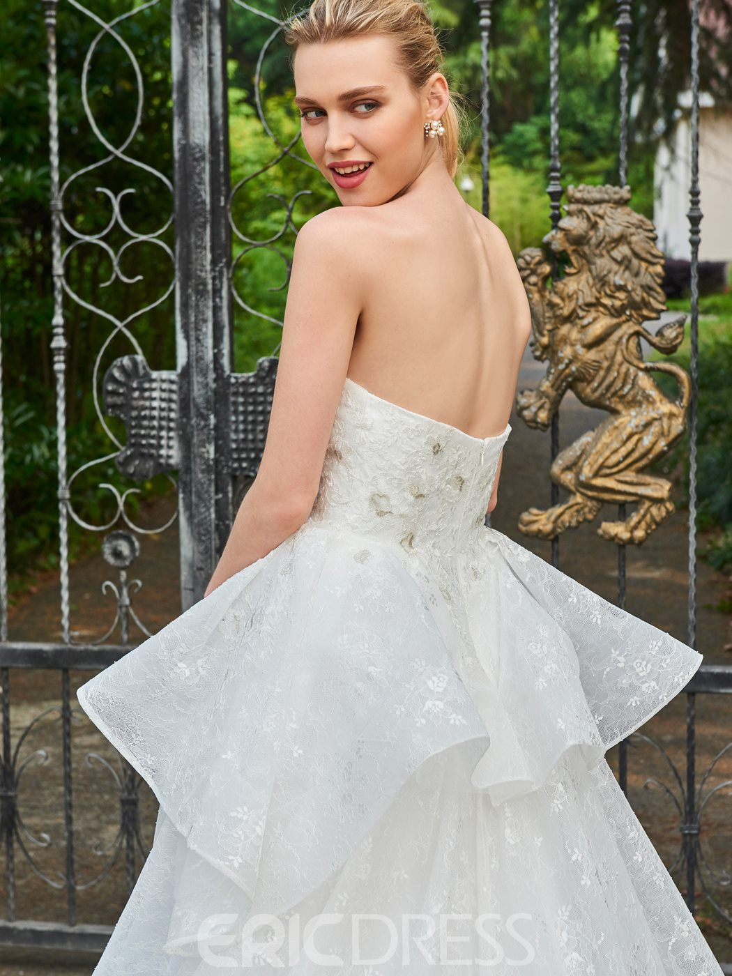 Ericdress Ball Gown Strapless Lace Appliques Wedding Dress