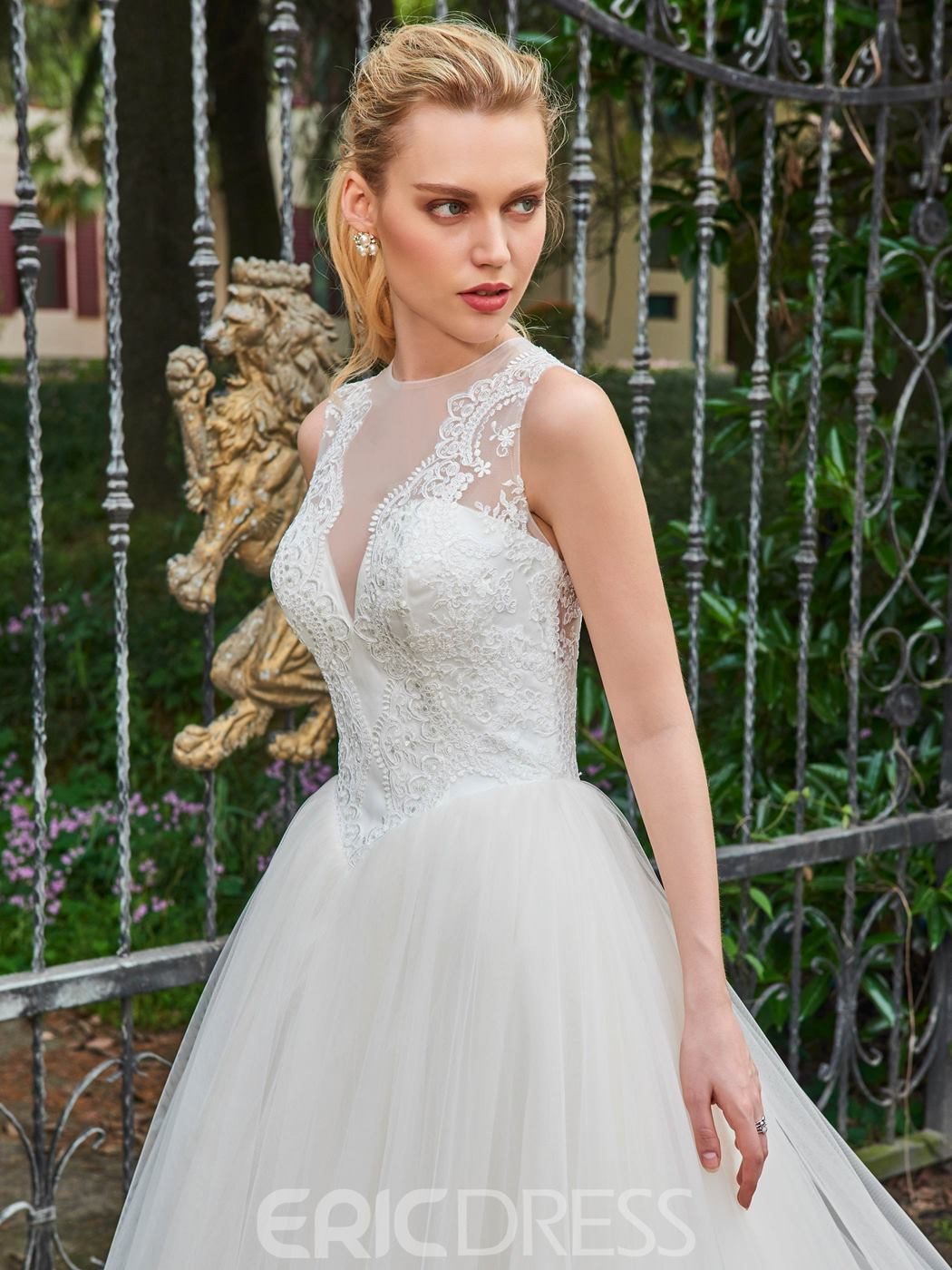 Ericdress Ball Gown Appliques Tulle Sleeveless Wedding Dress