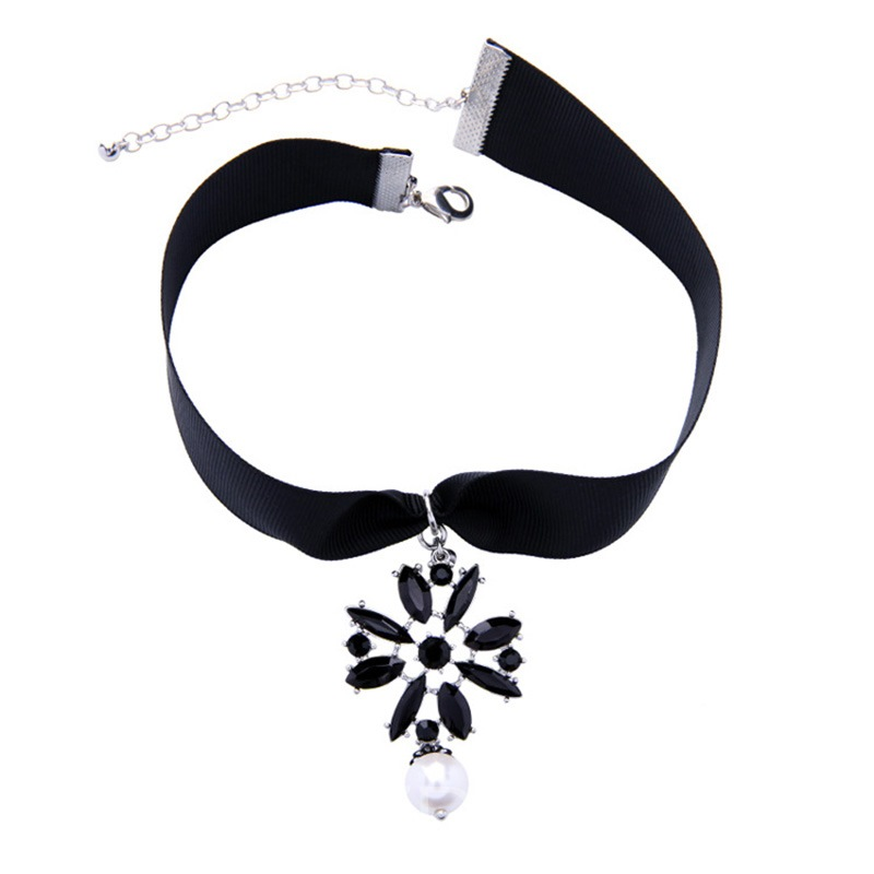 Ericdress Chic Black Flower Pendant Choker Necklace