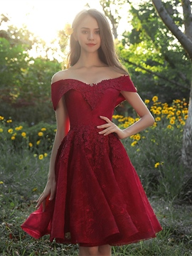 fc6841d01c4f Ericdress A-Line Lace Appliques Off-the-Shoulder Knee-Length Homecoming  Dress