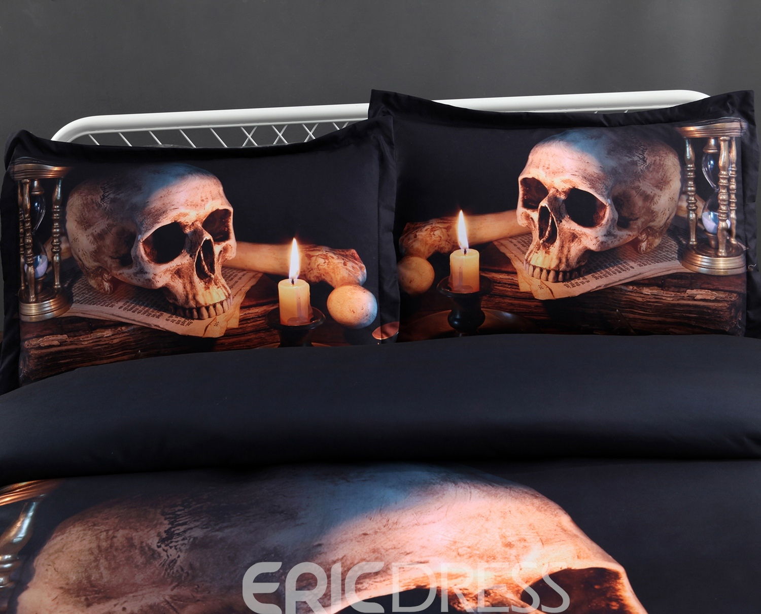 Vivilinen 3D Skull and Candle Printed 5-Piece Halloween Comforter Sets