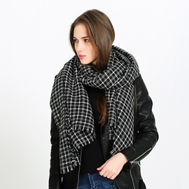Ericdress Fashionable Warm Black White Grid Women's Scarf