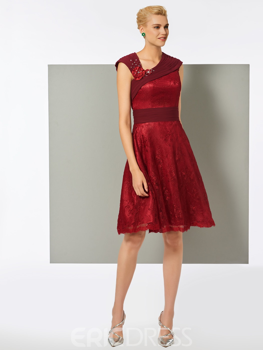 Ericdress Lace Sheath V-Neck Knee-Length Cocktail Dress