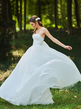 Ericdress Strapless Ruffles Garden Wedding Dress