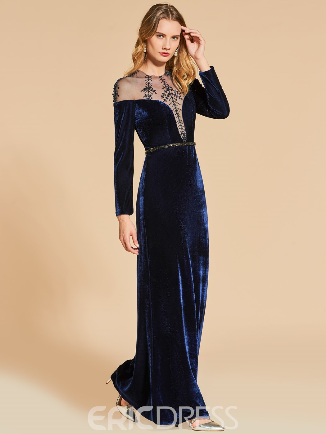 Ericdress Sheath Scoop Neck Beaded Velvet Long Sleeve Evening Dress