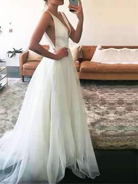 Ericdress Deep V-Neck Tulle Beach Wedding Dress