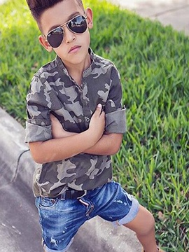 Erikdress Camouflage Shirt mit Jeans Shorts Jungen Outfit