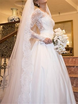 Scalloped-Edge Long Sleeves Beading A-Line Garden/Outdoor Wedding Dress
