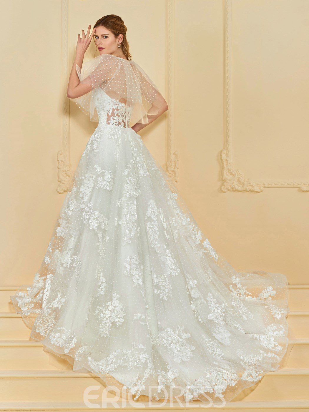 Ericdress Sweetheart Appliques Wedding Dress with Cape
