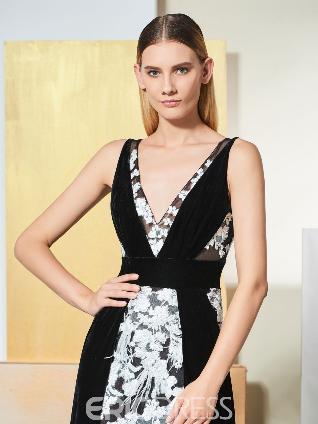 Ericdress A Line V Neck Black Evening Dress With White Applique