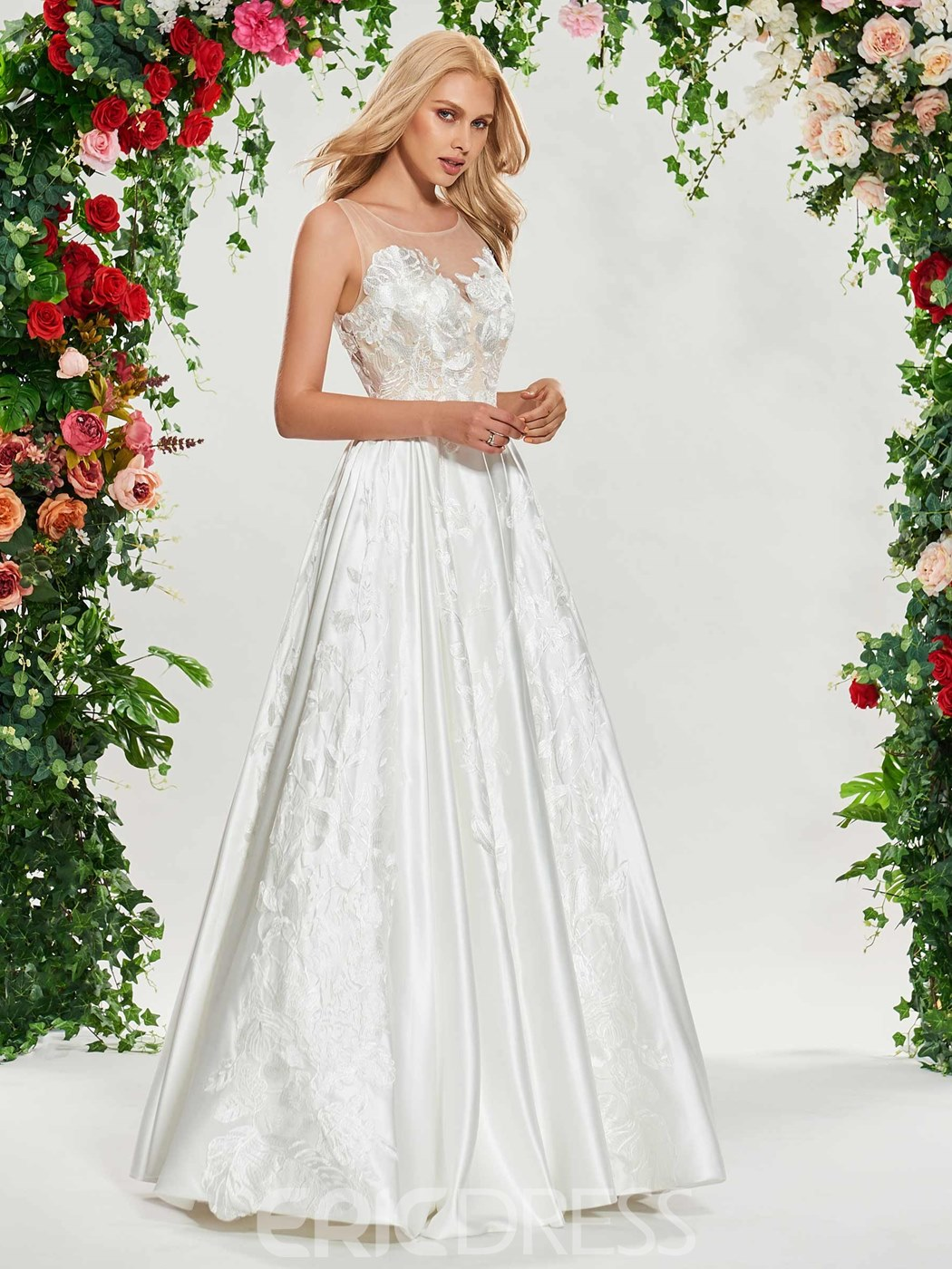 Ericdress Lace Appliques Button Outdoor Wedding Dress