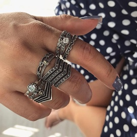 Ericdess Vintage Pattern Diamnate Knuckle Ring For Women