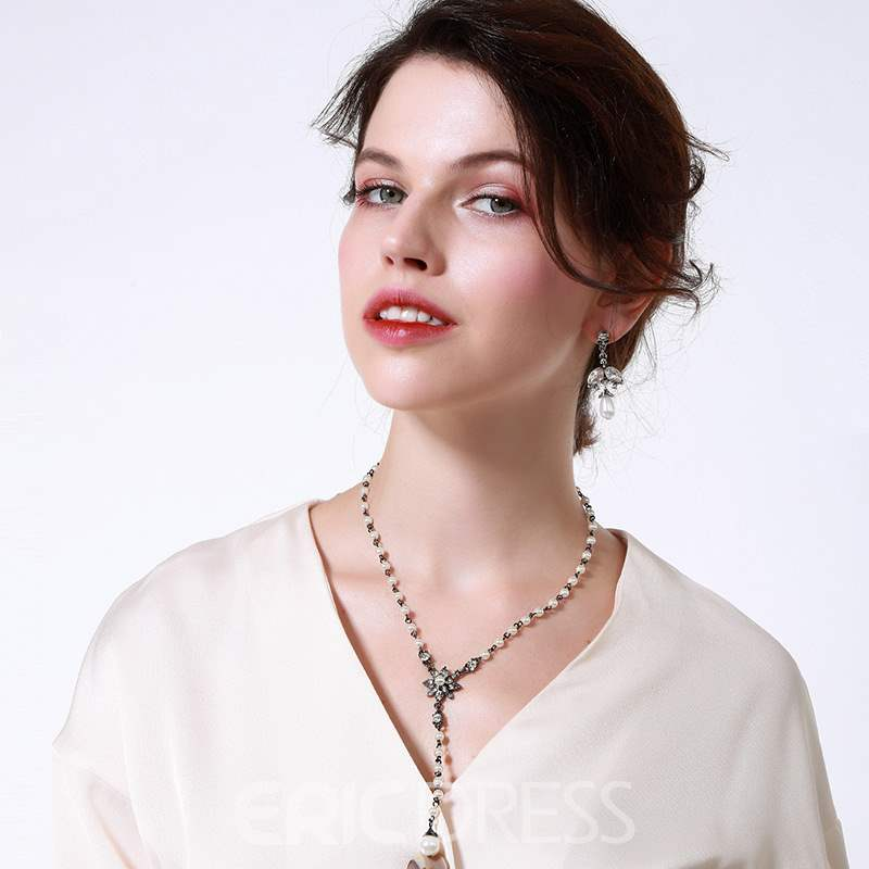 Ericdress Romance Flower Charm Necklace