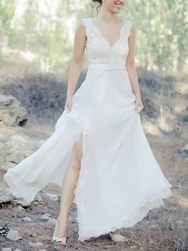 Ericdress V-Neck Split-Front Appliques Beach Wedding Dress