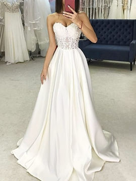 Sweetheart A-Line Garden/Outdoor Wedding Dress