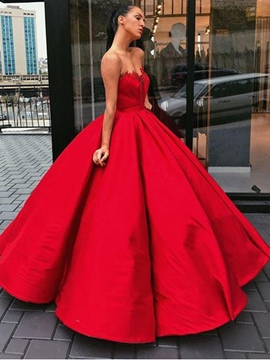 Sweetheart Ball Gown Sleeveless Appliques Prom Dress