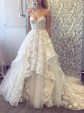 A-Line Sweetheart Lace Garden Wedding Dress