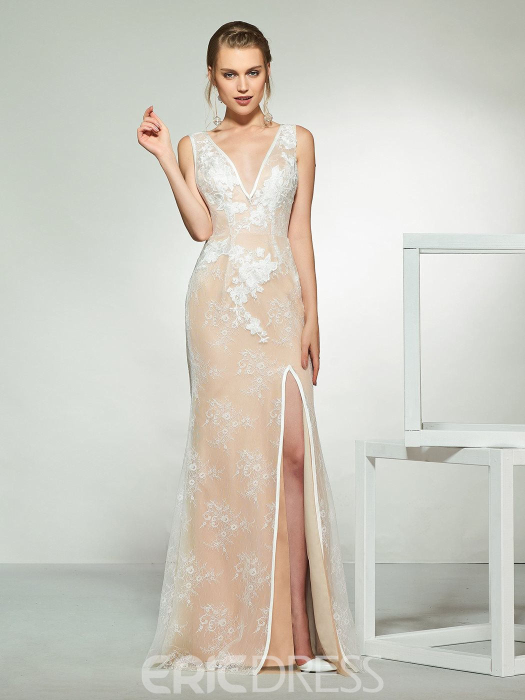 Ericdress Lace Sheath Wedding Dress with Cape