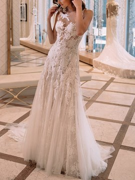 Appliques Sheath Scoop Church Wedding Dress