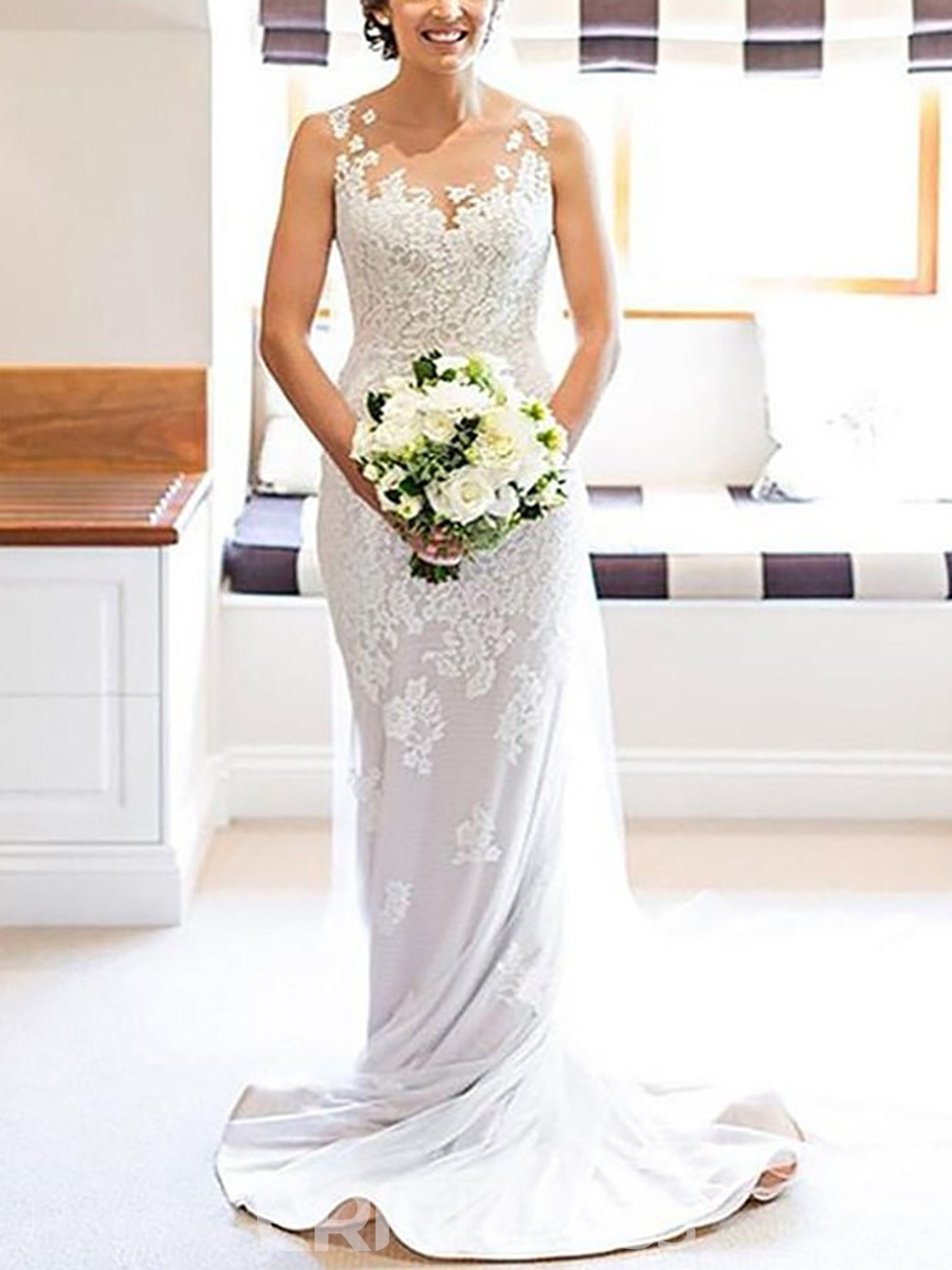 Sleeveless Scoop Appliques Outdoor Wedding Dress