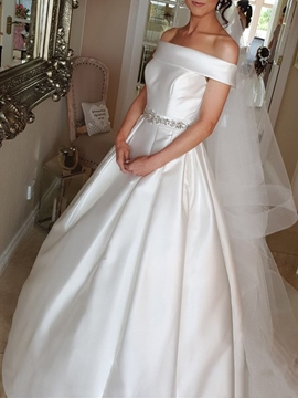 Ericdress Off-The-Shoulder Beading Hall Wedding Dress