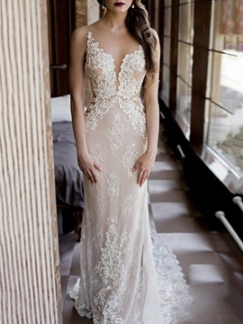 Ericdress Scoop Sheath Appliques Outdoor Wedding Dress 2019